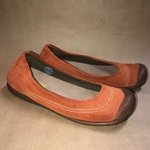 Keen Women Size 8.5 Sienna Orange Flats Shoes EUC